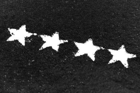 Une, deux, 3, 4, 5 étoiles… Quelles conséquences spatiales pour les notes numériques ?